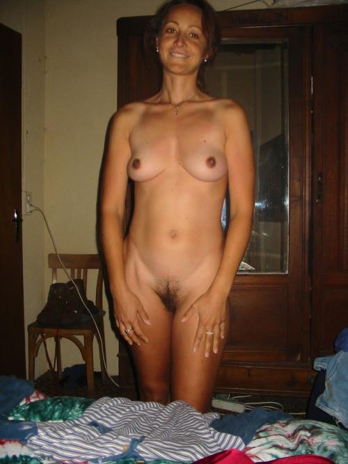 видео голая нев жена