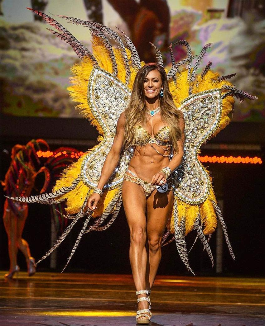 Caroline Campos 3