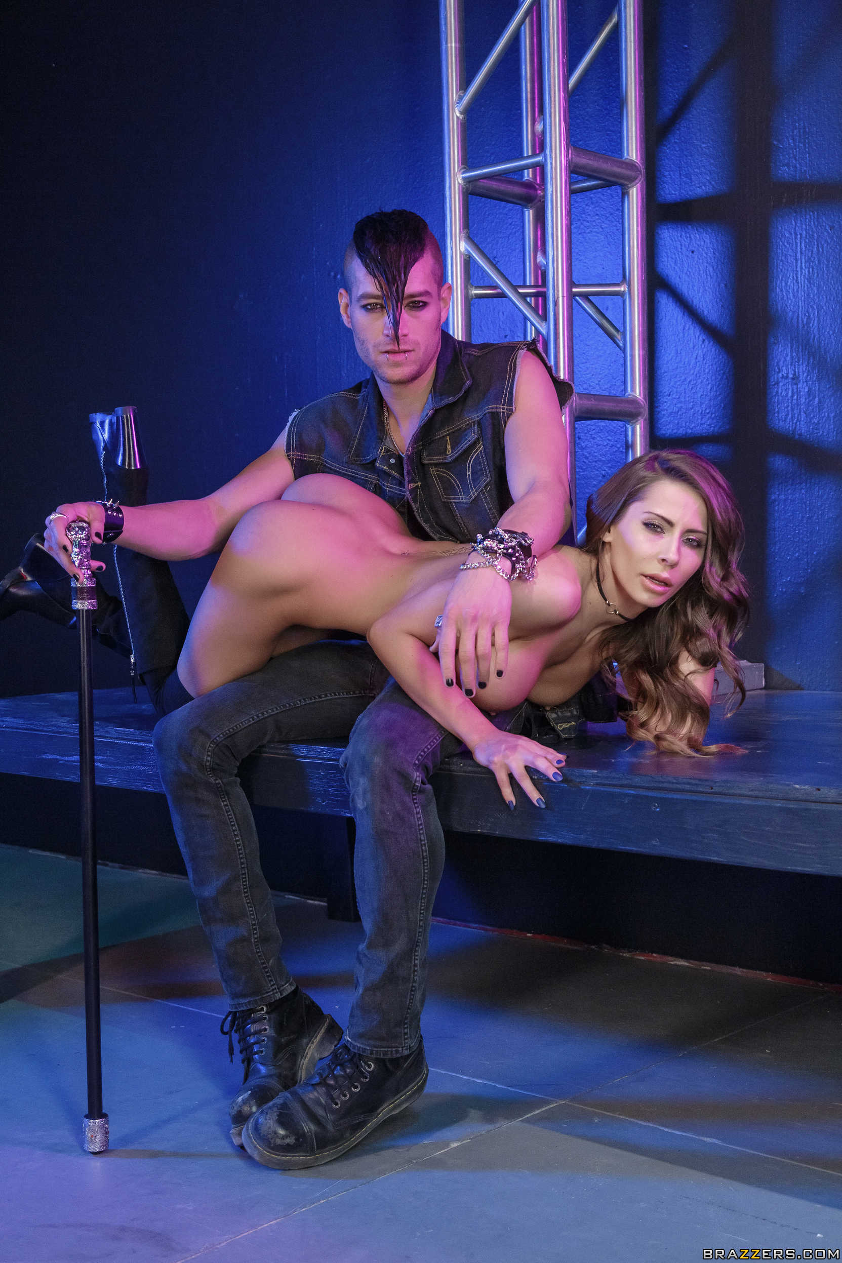 [ZZSeries.com / Brazzers.com] Madison Ivy - Xander's World Tour - Ep.1 (22.02.2018) [Big Tits, Big Tits Worship, Blowjob (POV), Boots, Bubble Butt, Caucasian, Euro, German, Innie Pussy, Jeans, Leather, Sun Glasses, Tank Top, Trimmed Pussy]