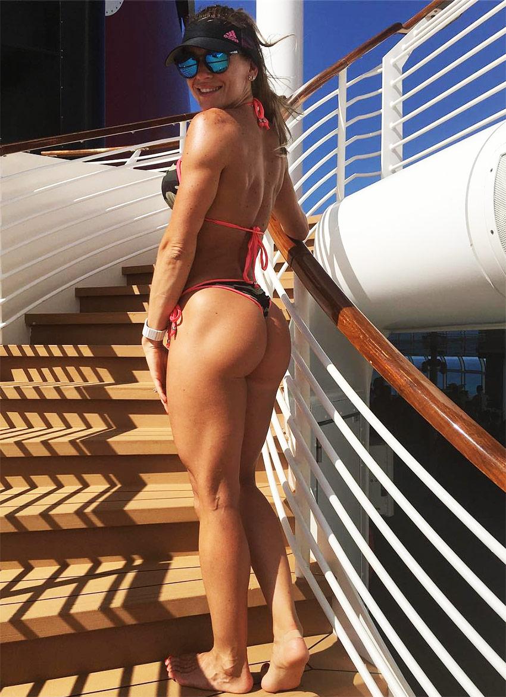 Caroline Campos 8
