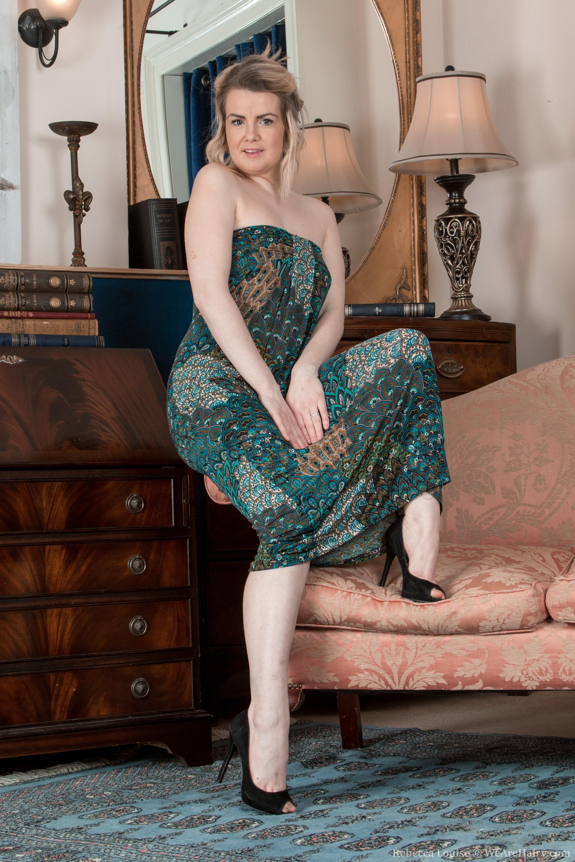 Волосатая зрелая толстая женщина фото мне