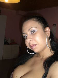 Arab-Mom-Private-Pics-%2851-foto%29-y6x5gdt31f.jpg