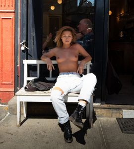 Marisa-Papen-%E2%80%93-Topless-photoshoot-by-Robert-Herman-in-New-York-%28NSFW%29-26xoqxb0hh.jpg